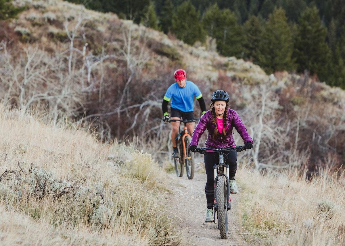 Jh Mountain Biking Couple Fall