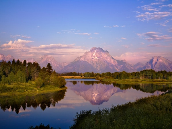https://visitjacksonhole.imgix.net/images/Unknown-1.jpeg?auto=format%2Ccompress&crop=focalpoint&cs=strip&fillTransforms=1&fit=crop&fp-x=0.5&fp-y=0.5&h=450&q=80&w=600
